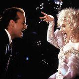 """""""Die Geister, die ich rief""""  Der Film """"Scrooged"""" aus dem Jahr 1988 mit Bill Murray in der Hauptrolle ist ein Weihnachtsfilm der etwas anderen Art. Die amerikanische Komödie transportiert Charles Dickens """"Weihnachtsgeschichte"""" in die Gegenwart."""