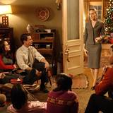 """""""Die Familie Stone - Verloben verboten!""""  Die New Yorkerin Meredith Morton (Sarah Jessica Parker) verbringt die Weihnachtsfeiertage mit der Familie ihres Verlobten. Dabei lässt sie kein Fettnäpfchen aus und sorgt für jede Menge Chaos. Komödien-Fans kommen bei """"The Family Stone"""" aus dem Jahr 2005 also voll auf ihre Kosten."""