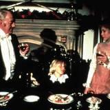 """""""Der kleine Lord""""  Der britische Fernsehfilm """"Little Lord Fauntleroy"""" von 1980 basiert auf dem gleichnamigen Roman von Frances Hodgson Burnett. In den Hauptrollen spielen Alec Guinness und Ricky Schroder. In Deutschland wird der Film bereits seit 1982 in der Weihnachtszeit ausgestrahlt und besitzt inzwischen Kultstatus."""