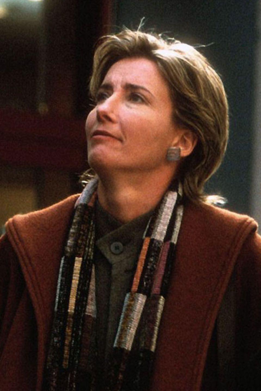 """Schon vor """"Tatsächlich Liebe"""" war Emma Thompson eine oscarprämierte Schauspielerin. Seit 2003 hat sie unter anderem in der """"Harry Potter""""-Reihe mitgewirkt und ist als """"zauberhafte Nanny"""" unterwegs gewesen. Neben Tom Hanks hat sie die weibliche Hauptrolle in """"Saving Mr. Banks"""" gespielt."""