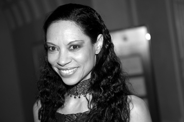 1. Juli: Chantal de Freitas (45 Jahre)  Völlig überraschend ist die Schauspielerin und Sängerin Chantal de Freitas mit nur 45 Jahren verstorben.