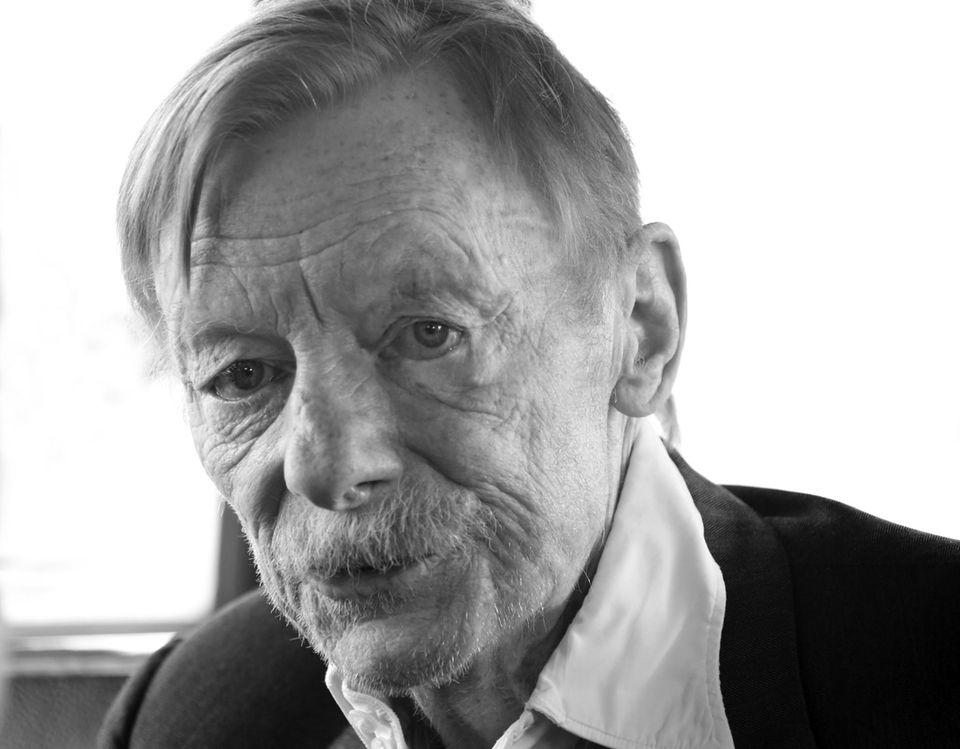 12. September: Otto Sander (72 Jahre)  Der Schauspieler und Theater-Darsteller hinterlässt seine Frau Monika Hansen, sowie seine Stiefkinder Ben Becker und Meret Becker.
