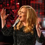 """Ein neues Album von Adele  Mit ihrem Album """"21"""" gelang der britischen Sängerin 2011 ein Sensationserfolg. Nun steht Adele nach einer Babypause wieder im Studio und wir dürfen uns Mitte 2014 auf ein neues Album der Powerfrau freuen."""