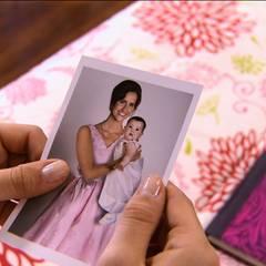 """""""Violettas"""" größte Leidenschaft ist das Singen. Dieses bisher unentdeckte Talent hat sie von ihrer Mutter geerbt, einer berühmten Sängerin, die leider bei einem Unfall tödlich verunglückte"""