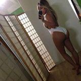 17. Oktober 2013: Kim Kardashian twittert ein Bild von sich. Kein Kommentar.