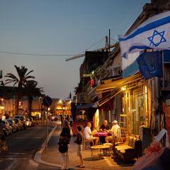"""Im November gastierte das Ensemble am Cameri-Staatstheater in Tel Aviv. """"Es war immer der Wunsch von Heiner, dass wir mit dem Stück in Israel auftreten"""", sagt Broich, die einstige Muse und Geliebte von Heiner Müller."""