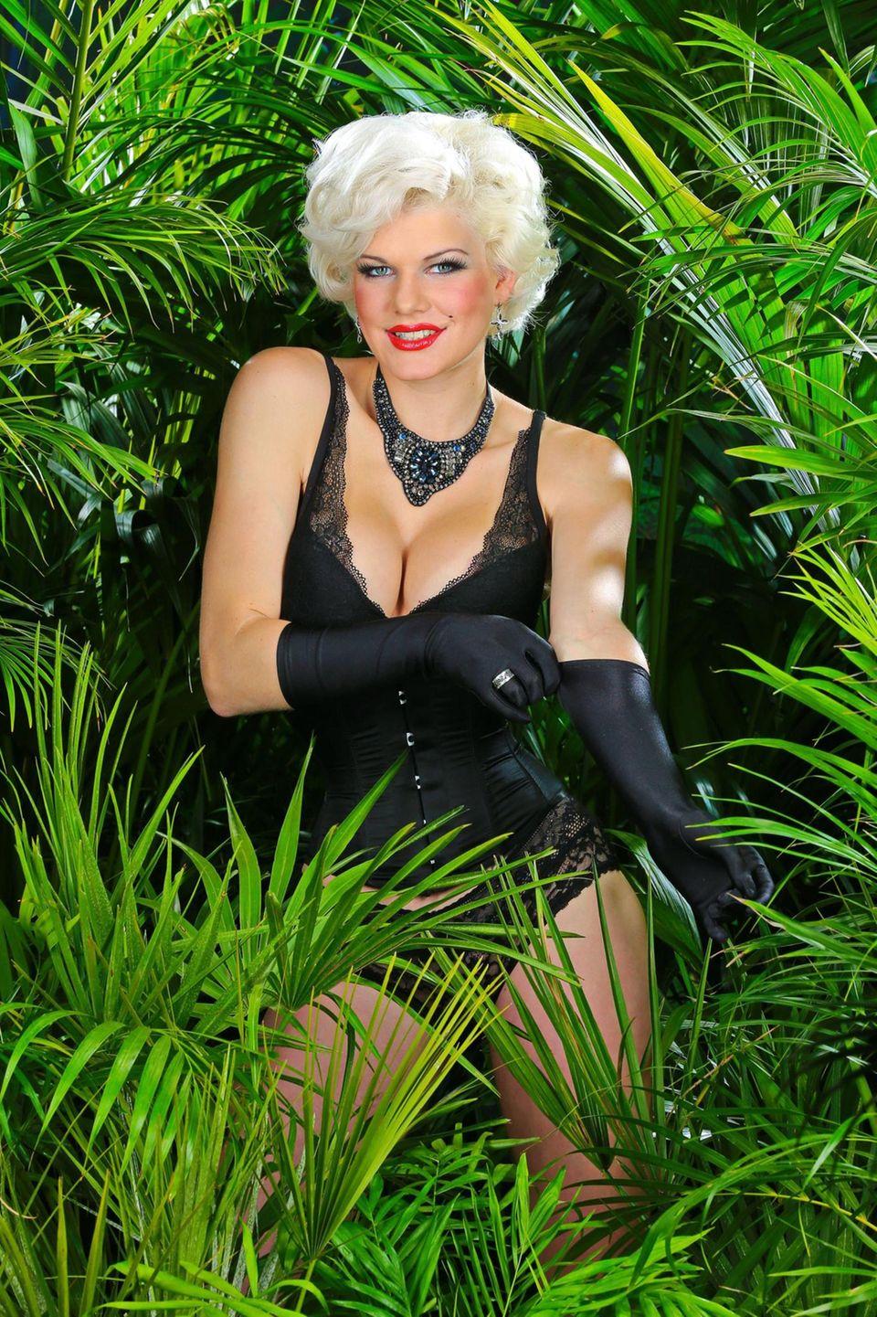 """Für den nötigen Sexappeal sorgt in diesem Jahr Bachelor-Kandidatin Melanie Müller: """"Natürlich gehe ich ungern im Bikini baden, es ist ja schließlich sehr heiß im Dschungel.""""    Alle Infos zu """"Ich bin ein Star - Holt mich hier raus!"""" im Special bei RTL.de: http://www.rtl.de/cms/sendungen/ich-bin-ein-star.html"""