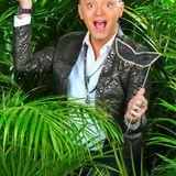"""Mit Schauspieler und Mode-Designer Julian F.M. Stoeckel zieht eine sehr extravagante und schillernde Figur ins Dschungelcamp. """"Ich könnte mir eine Romanze mit allen vorstellen, mit schönen Frauen und mit schönen Männern ... Ich bin für alles offen.""""    Alle Infos zu """"Ich bin ein Star - Holt mich hier raus!"""" im Special bei RTL.de: http://www.rtl.de/cms/sendungen/ich-bin-ein-star.html"""