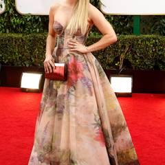 """""""Big Bang Theory""""-Star Kaley Cuoco hat sich für ein florales, trägerlosesTraumkleid von Rani Zakhem Couture entschieden."""