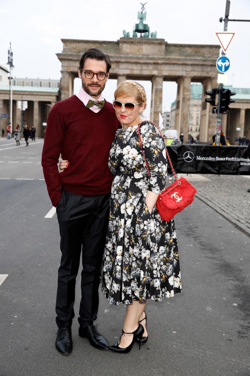 Maite Kelly ist mit ihrem Ehemann Florent Raimond auf dem Weg zur Fashion Show von Marc Stone.
