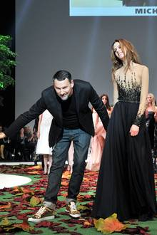 "Applaus für den Star-Designer: Michael Michalsky beim Finale seiner ""CITY LOVE""-Fashion-Show"