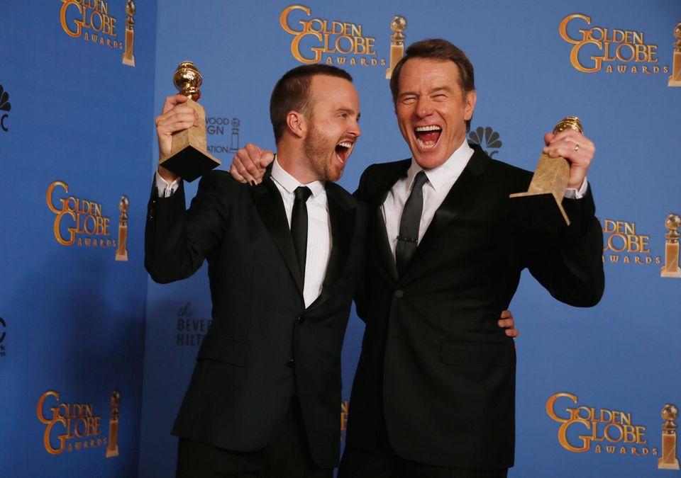 """""""Breaking Bad""""-Star Bryan Cranston gewann den Preis als bester Serien-Schauspieler, zusammen mit Aaron Paul freut er sich außerdem über den Gewinn für die beste TV-Serie."""