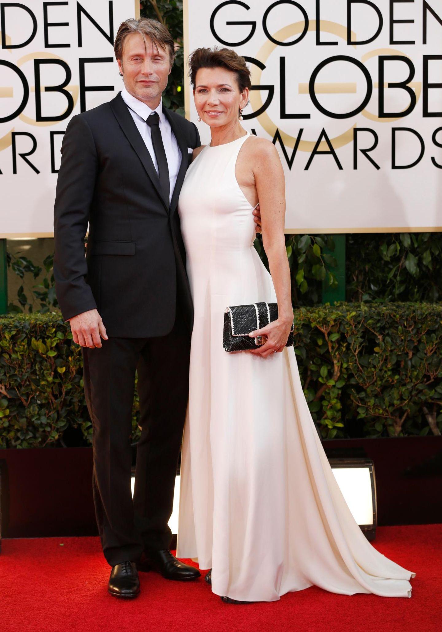 """Mads Mikkelsen, Hauptdarsteller aus der Serie """"Hannibal"""", kommt zusammen mit seiner Frau Hanna zur Verleihung."""