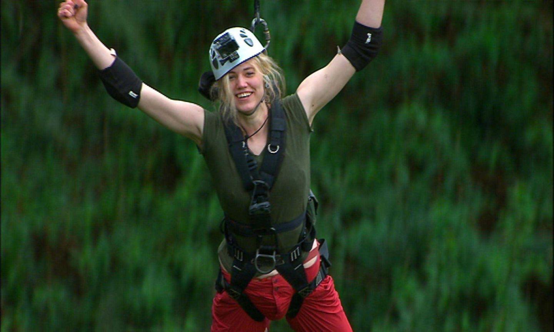 """Tag 7  Larissa hat ihren schweren Teil der Dschungelprüfung super gemeistert und freut sich über die acht gewonnenen Sterne. Alle Infos zu """"Ich bin ein Star - Holt mich hier raus!"""" im Special bei RTL.de: http://www.rtl.de/cms/sendungen/ich-bin-ein-star.html"""