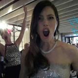 Anne Hathaway revanchiert sich für Jared Letos Photobomb - allerdings bei Jessica Biel.