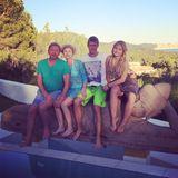 Juli 2014  Im Urlaub auf Ibiza bekommt Boris Becker Besuch von seiner Schwester Sabine, seinem Neffen Vincent und Nichte Carla.