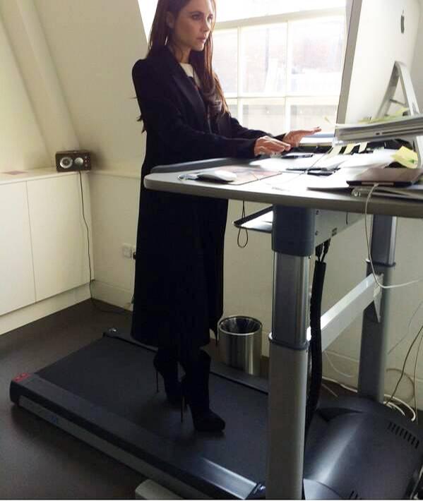 Victoria beckhams lustigste instagram fotos s 35 for Schreibtisch laufband