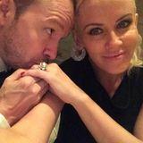 September 2014  Ihr erstes Selfie als frisch verheiratetes Paar: Donnie Wahlberg und Jenny McCarthy sind im siebten Himmel.