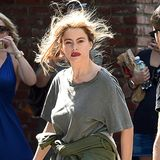 """7. August 2014: Sofia Vergara schlurft für eine Szene der Serie """"Modern Family"""" im Schlabber-Look durch Los Angeles."""