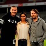 """20. Oktober 2014: Für Dreharbeiten zu der Kinokomödie """"Macho Man"""" ist Lukas Podolski ins Stadio des 1. FC Köln zurückgekehrt. Zusammen mit seinen neuen Kollegen Aylin Tezel und Christian Ulmen, die die Hauptfiguren spielen, verwandelt er das Stadion zum Filmset."""