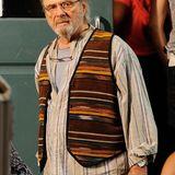 """4. August 2014: Für """"The Family Fang"""" steht Anthony Hopkins im Hippie-Outfit vor der Kamera."""