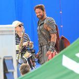 """27. Mai 2014: Gerard Butler trägt für die Dreharbeiten von """"Gods of Egypt"""" eine Rüstung."""