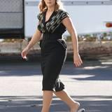"""21. Oktober 2014: Kate Winslet hat beim Dreh zu """"The Dressmaker"""" eine kurze Pause und macht sich auf dem Weg zu ihrem Trailer."""