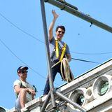 """21. August 2014: Für den Actionstreifen """"Mission Impossible 5"""" turnt Tom Cruise in luftiger Höhe auf dem Dach des Wiener Opernhaus herrum."""