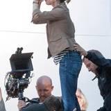 """2. Oktober 2014: Christina Applegate muss bei den Dreharbeiten zu """"Vacation"""" ein großes Glas auf ex trinken."""
