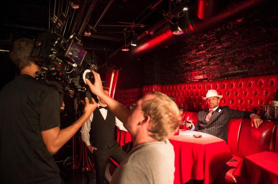15. Oktober 2014: Ricky Martin ist mit den Dreharbeiten zu seinem neuen Video beschäftigt.