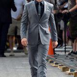 """30. Juni 2014: Matt Bomer dreht eine Szene für """"White Collar"""" im Union Square Park in New York."""