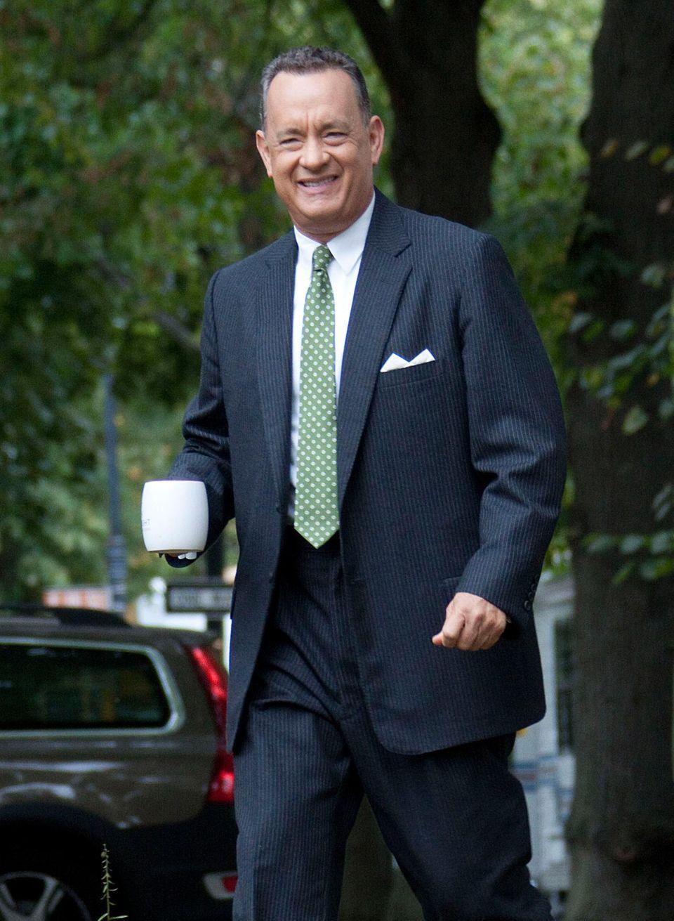 "2. Oktober 2014: Tom Hanks hat gute Laune am Set des Films ""St. James Place""."