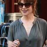 """4. August 2014: Nicole Kidman trägt für ihre Rolle in """"The Family Fang"""" brünett und eine Sonnenbrille."""