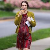 """12. Juni 2014: Winona Ryder trägt für ihre Rolle im Film """"Experimenter"""" einen künstlichen Babybauch und dreht eine Szene im """"Ditmas Park"""" in Brooklyn."""
