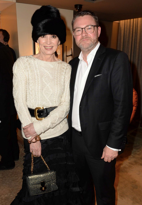 Iris Berben posiert mit GALA-Chefredakteur Christian Krug