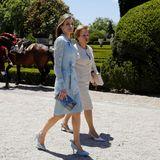 7. Juli 2014: Königin Letizia wird von Portugals First Lady Maria im Queluz Palast in der gleichnamigen Stadt empfangen.