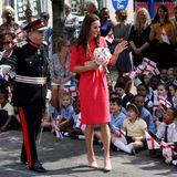 """1. Juli 2014: Herzogin Catherine besucht die """"Blessed Sacrament Catholic School"""" in London."""
