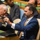 24. September 2014: Spaniens König Felipe nimmt an der 69. Generalversammlung der UN in New York teil. Vor dem Plenum hält er auch eine Rede und hält seinen Besuch mit dem Smartphone fest.