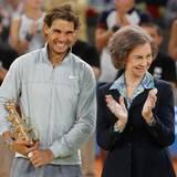 "12. Mai 2014: Königin Sofia feiert mit Tennis-Star Rafael Nadal dessen Sieg der ""Mutua Madrid Open""."
