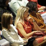 24. September 2014: Im UN-Hauptquartier in New York kommt es zum Gipfeltreffen von drei Power-Frauen. Königin Letizia und Königin Máxima unterhalten sich angeregt, während sie darauf warten, dass ihre Männer ans Rednerpult kommen. Später gesellt sich zu den beiden noch Amerikas Firstlady Michelle Obama, deren Mann Barack ebenfalls vor der UN-Generealversammlung spricht. Dass zwei Königinnen gemeinsam mit der amerikanischen Firstlady auf einer Tribüne sitzen, ist ungewöhnlich. Aber natürlich kennt man sich schon von Staatsbesuchen und royalen Events.