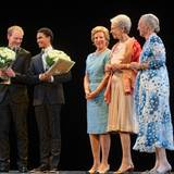 15. September 2014: Im Kopenhagener Tivoli ehrt Königin Margrethe gemeinsamen mit ihren beiden Schwestern Königin Anne Marie von Griechenland und Prinzessin Benedikte zwei junge Künstler. Die beiden erhalten die Königin-Ingrid-Auszeichnung, benannt nach der Mutter der königlichen Schwestern.
