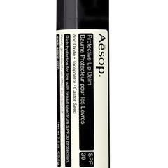 """Der """"Protective Lip Balm"""" mit LSF 30 schützt sensible Lippen vorm Verbrennen. Von Aesop, ca. 15 Euro"""