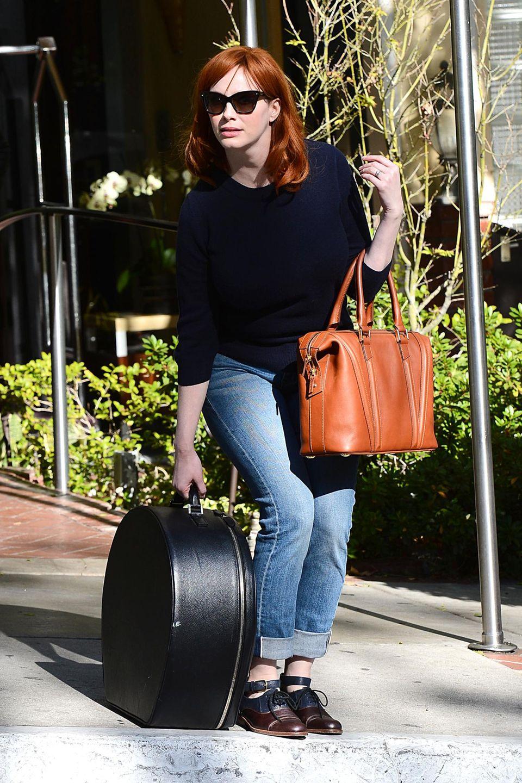 Christina Hendricks kommt von einem Fotoshooting in Los Angeles.