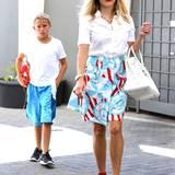 21. August 2014: Reese Witherspoon ist mit ihrem Sohn Deacon in Beverly Hills unterwegs.