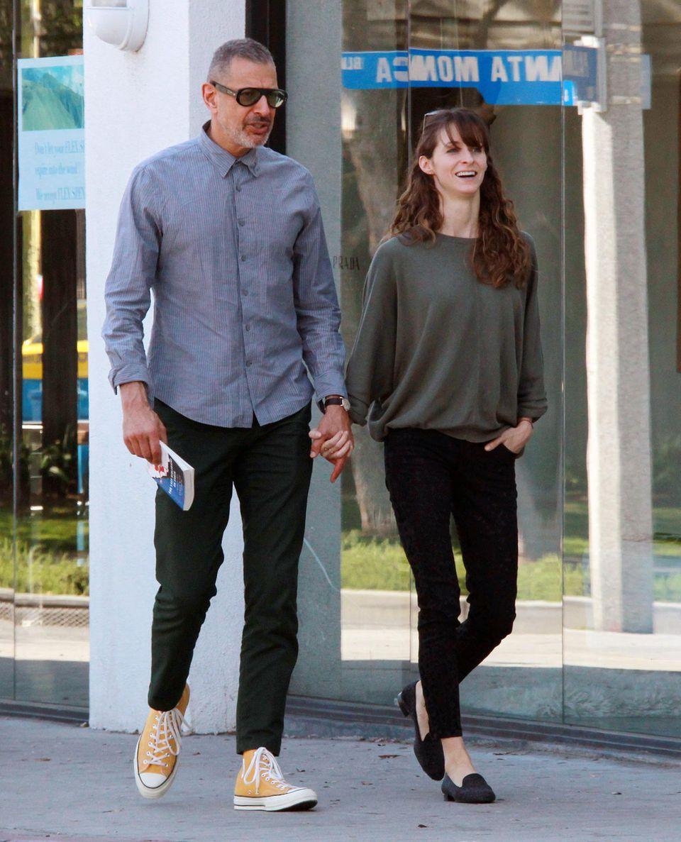 14. April 2014: Jeff Goldblum und seine Freundin Emilie Livingston besuchen in Los Angeles einen Buchladen bevor sie zum Mittagessen gehen.