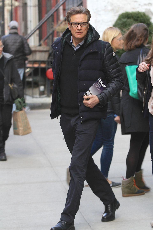 """8. April 2014: Colin Firth verlässt sein Hotel in Soho. Der Star war für ein paar Tage anlässlich der Filmpremiere von """"The Railway Man"""" in New York."""