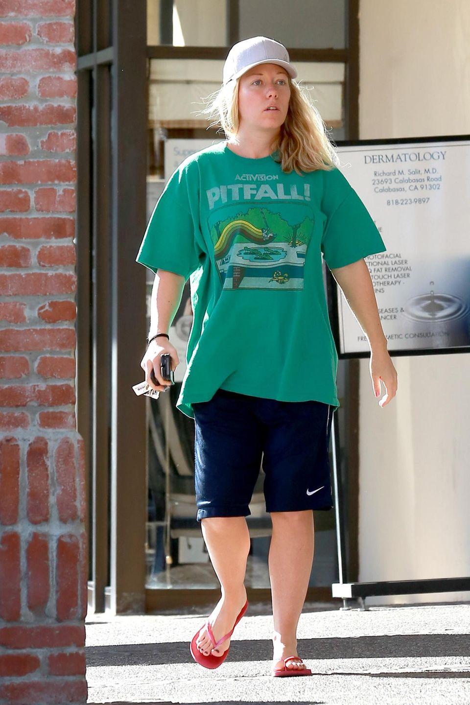 """15. Januar 2014: Model Kendra Wilkinson versteckt ihren Babybauch unter einem T-Shirt ihres Ehemanns. Das ehemalige """"Playboy-Bunny"""" besucht verschiedene Geschäfte auf der Suche nach Baby-Kleidung."""