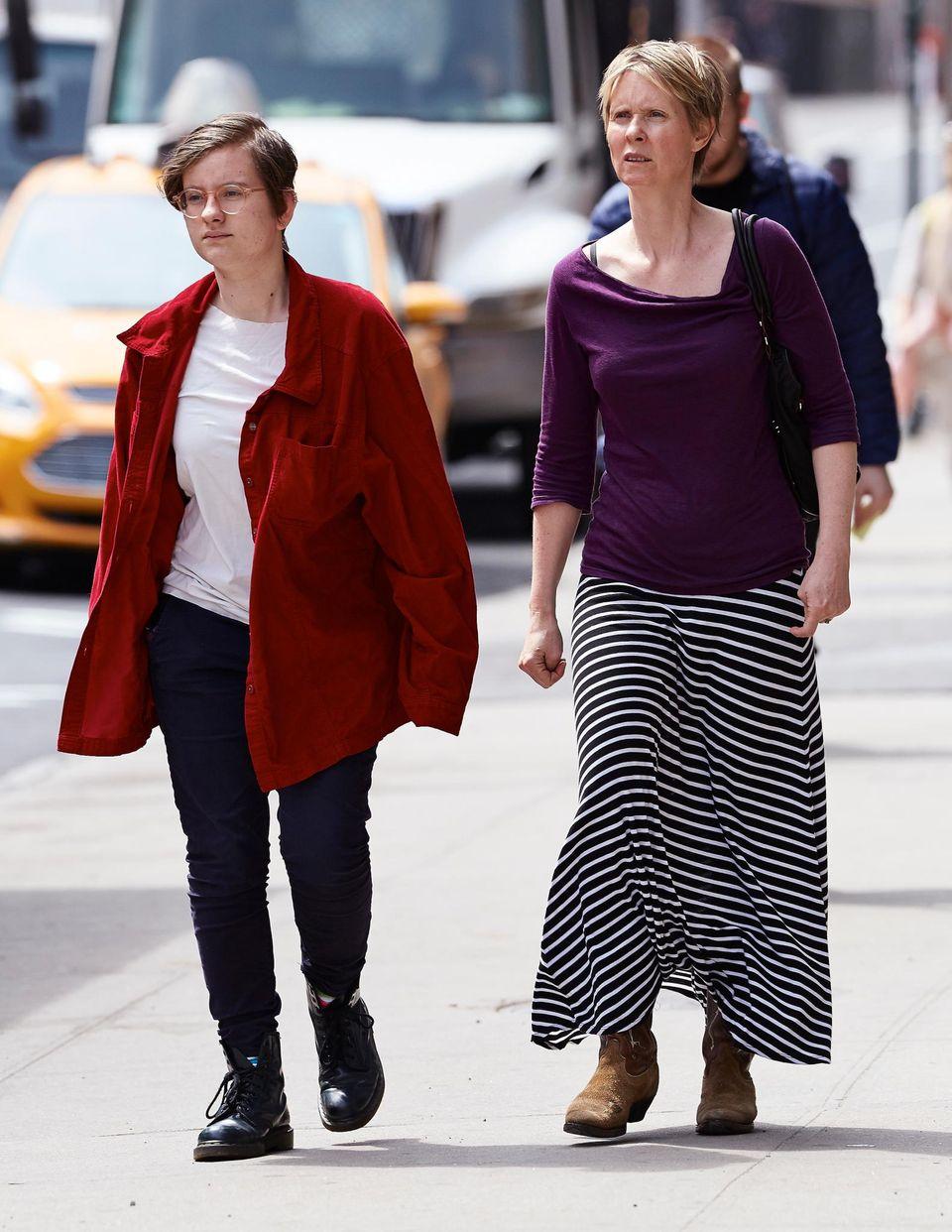 22. April 2014: Cynthia Nixon ist mit ihrer Frau Christine Marinoni im New Yorker East Village unterwegs.