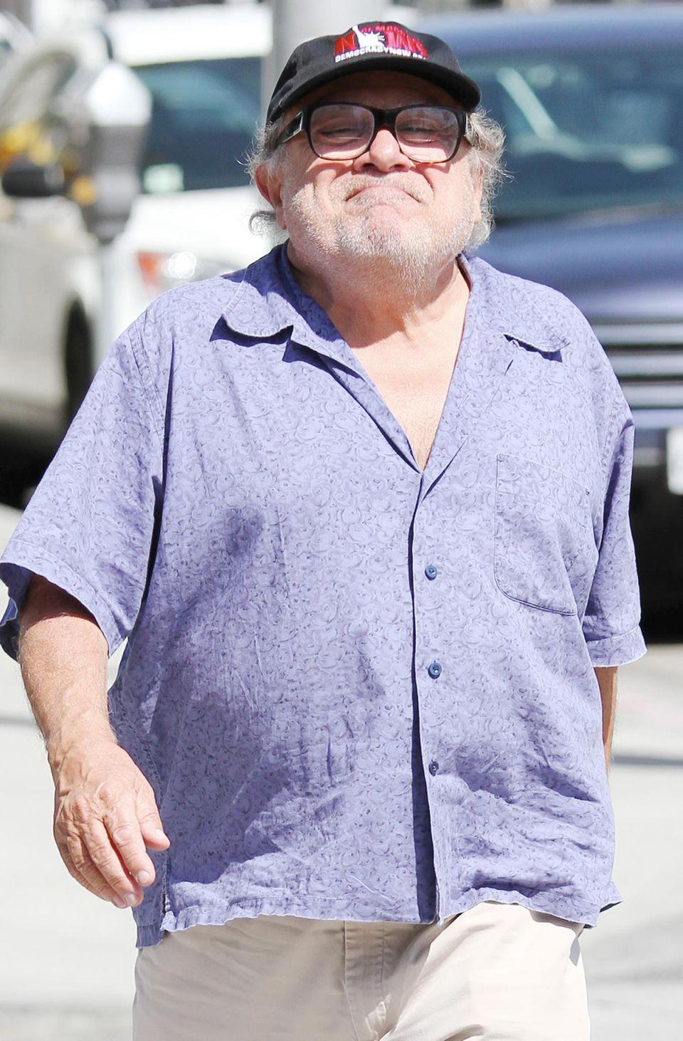 18. März 2014: Danny DeVito ist bei seinem Spaziergang in Beverly Hills bester Laune.