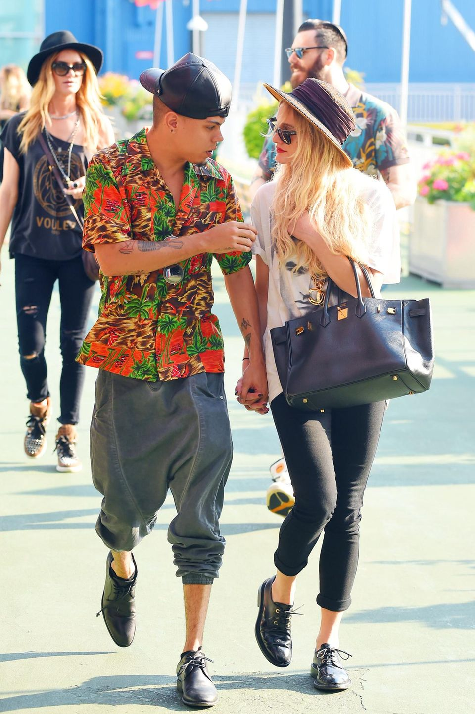 26. August 2014: Evan Ross und Ashlee Simpson schlendern in New York die Chelsea Piers entlang.